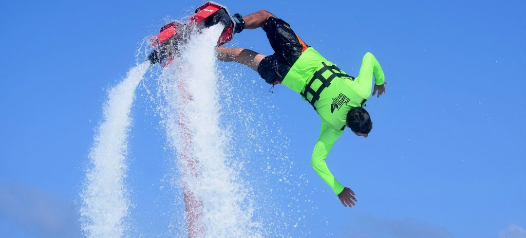 water-activities-you-cant-miss-in-cancun-flyboard