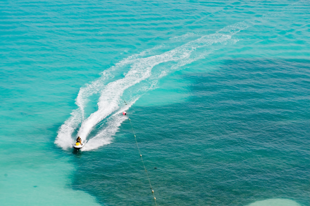 waverunners-in-cancun-epic-water-toys