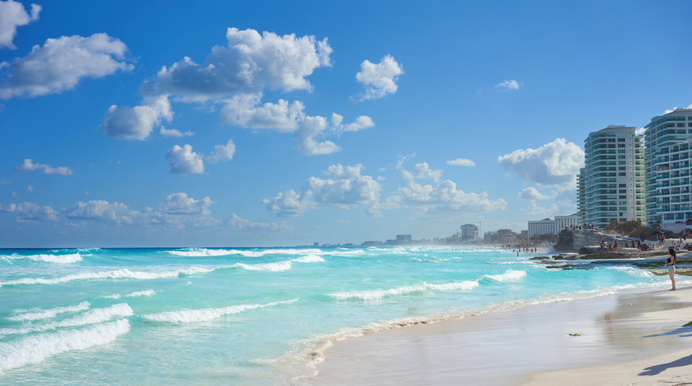 top three best beaches in cancun chac mool beach
