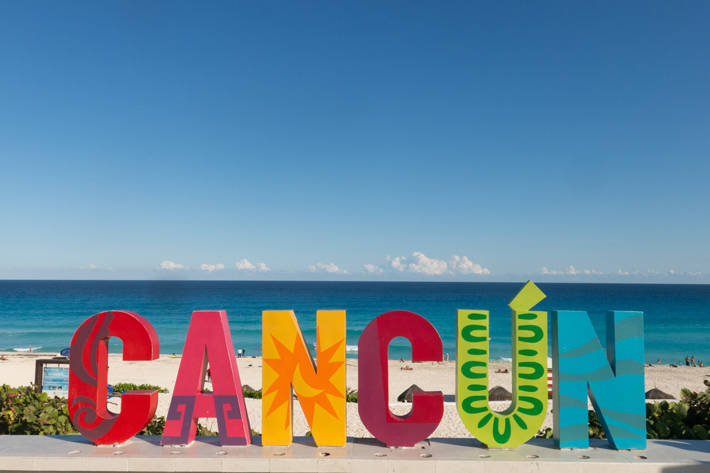 top three best beaches in cancun chac delfines beach