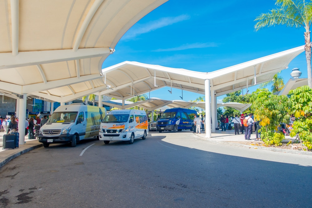 ways to move from Cancun´s airport to your hotel